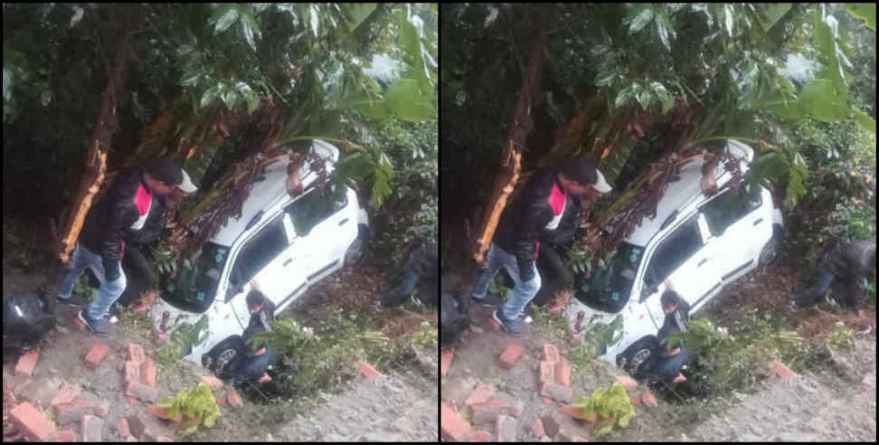 Image: HARYANA TOURIST CAR FALL IN DITCH IN UTTARAKHAND