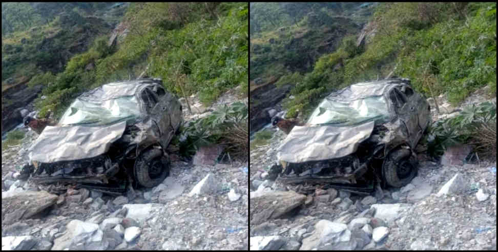 Image: Car fell into ditch in gopeshwar chamoli one killed