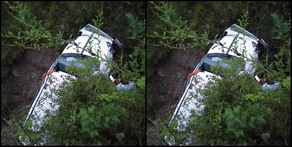 Image: Car accident in Garhwal 4 people injured