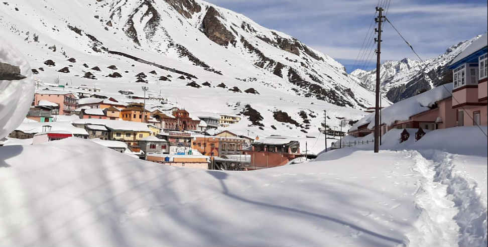 Image: Snowfall in badrinath dham