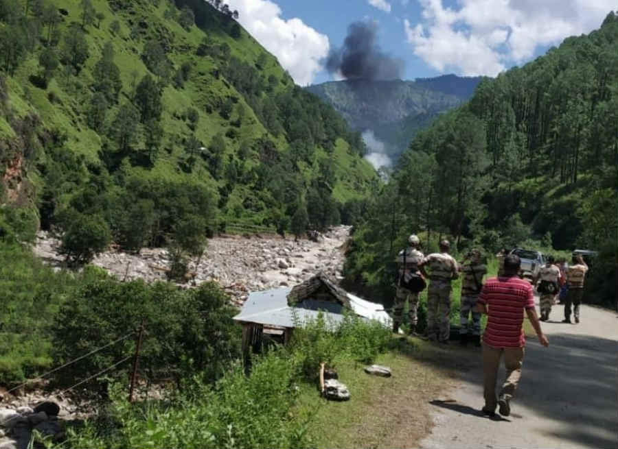 helicopter fall down in uttarkashi UPDATE