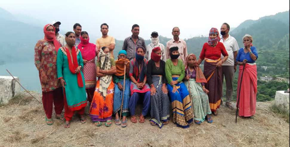 Image: Tehri garhwal uppu village people appeal to government
