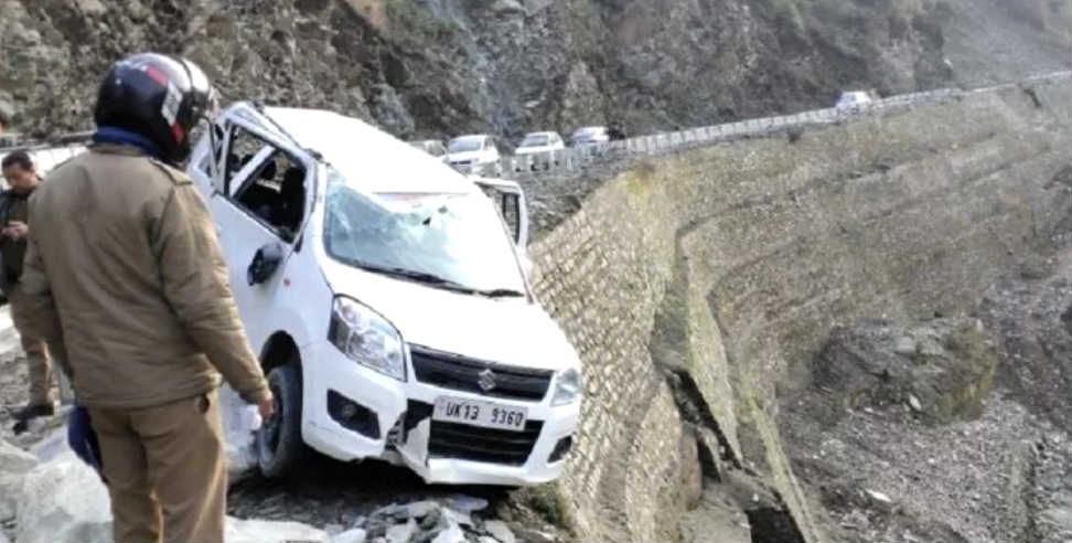 Image: Car accident in rudraprayag gaurikund highway