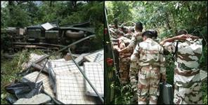 Army vehicle fell trench in Chamoli