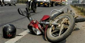 नाक: Two die including engineer in road accidents
