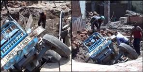 latest-uttarakhand-news: tractor trolley sunk in floor rishikesh
