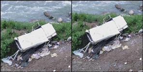 rudraprayag: kedarnath highway bollero fall in ditch