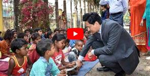 Video News From Uttarakhand :DM deepak rawat with school kids