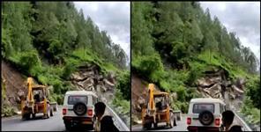 Mountain fallen in badrinath National highway